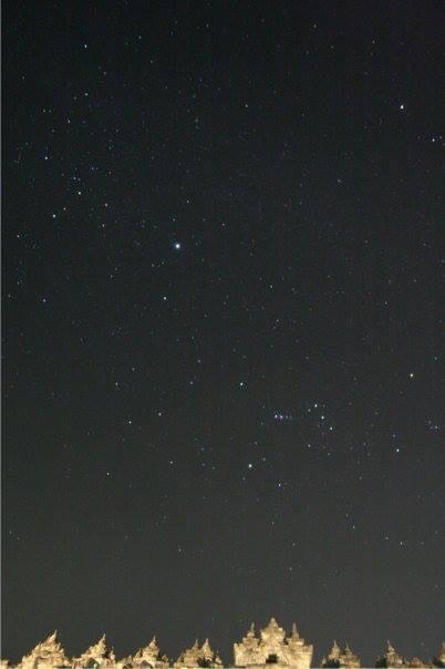 Orion & Sirius di atas Candi Borobudur