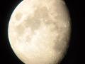 Bulan jelang purnama