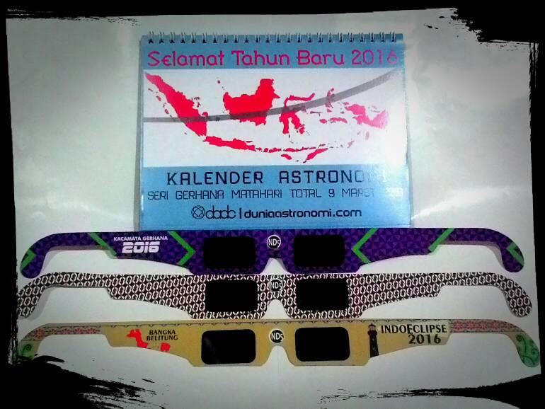 Paket Hemat Kalender dan Kacamata Gerhana Matahari