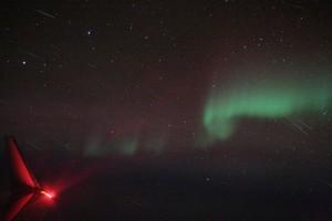 Aurora dan meteor-meteor Quadrantids (Sumber: APOD)