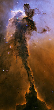 Eagle Nebula, tempat kelahiran bintang (Sumber: Hubblesite)
